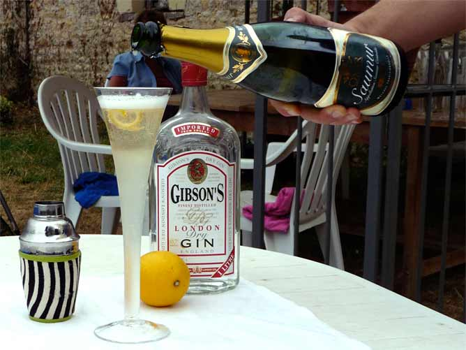 The final touch, sparkling wine